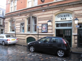 To Let - Courts Bar Bowlalley Lane Hull